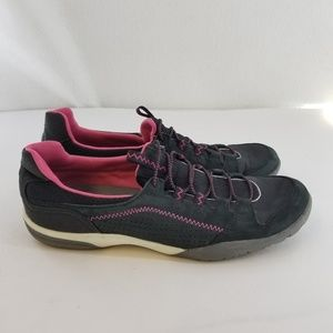 CLARKS COLLECTION Gray Pink Sneakers Sz 8 Narrow